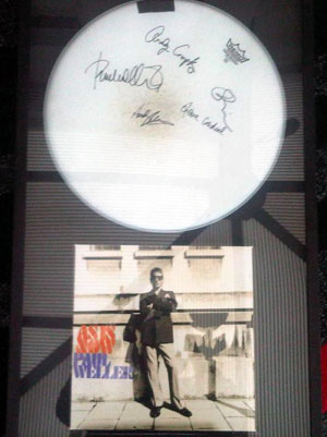 Weller and Marr framed by Handsfree